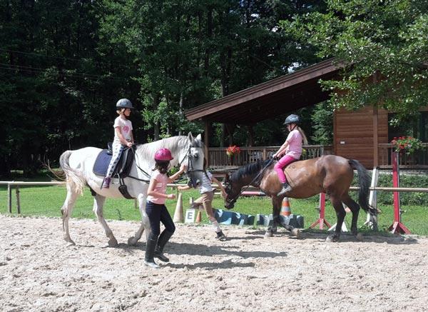 Kinderreitstunde am Hammerwiesenhof